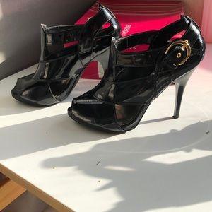 Black patent leather BCBG heels